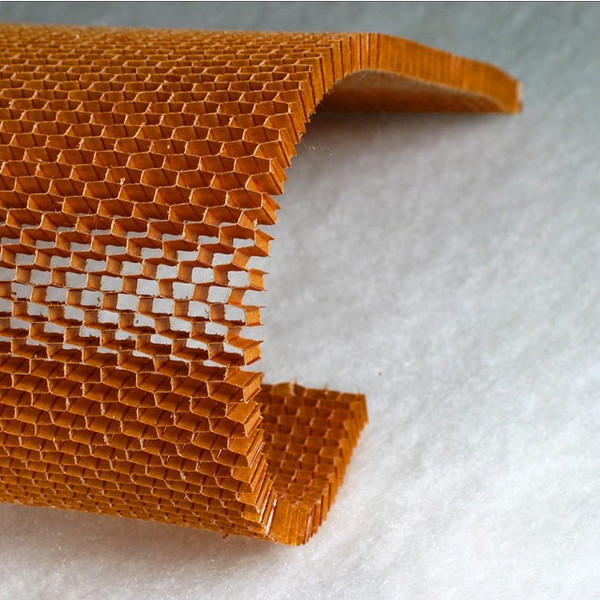 Over-expanded honeycomb core bending